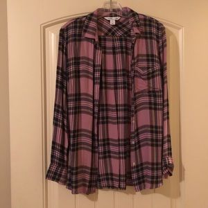 Old Navy Classic Shirt. Size: M